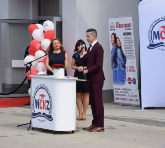 Otwarcie nowego budynku szkoły medycznej w Kłodzku.